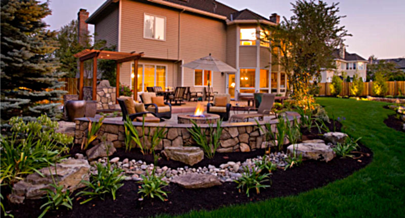 landscaped-back-yard