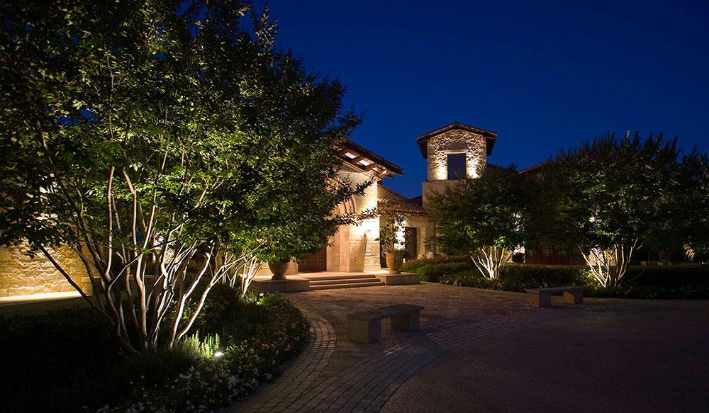 Outdoor lighting sonnenberg landscaping for Landscape lighting trees